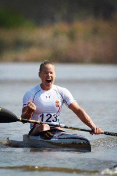 Magyar lányok az extrém kajakversenyen