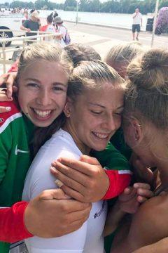 Az év csapata lett a világbajnok női ifinégyes