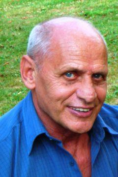 Elhunyt Csaba András